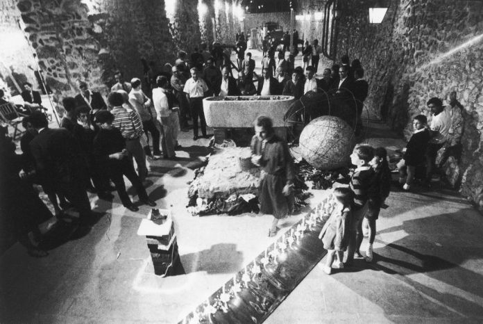 Arte Povera +Azioni Povere, Arsenali dell'Antica Repubblica, Amalfi, 1968.