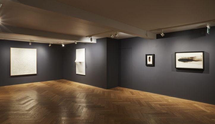 Alberto Burri, installation view at Mazzoleni London