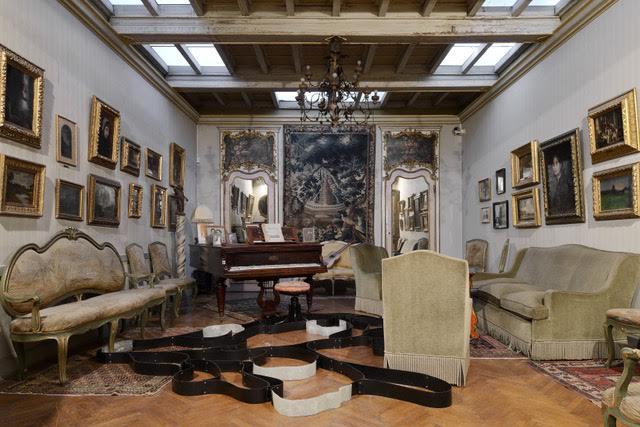 Benjamin Hirte, untitled, 2016, rubber, fiber resin, blind rivets, dimensions variable, Museo Pietro Canonica, Roma