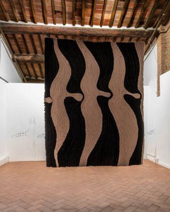 Enrico David, Untitled, 2017 © l'artista, Courtesy Michael Werner Gallery, New York Londra. Photo OKNOstudio