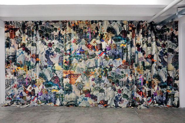 Francesco Simeti, Curtain, 2017. Courtesy dell'artista e Francesca Minini, Milano. Foto Sara Scanderebech