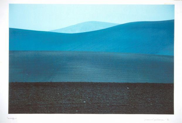 Franco Fontana (Modena, 1933), Paesaggio, Puglia, Italy, 1984, Fotografia a colori su carta Cibachrome, UniCredit Art Collection
