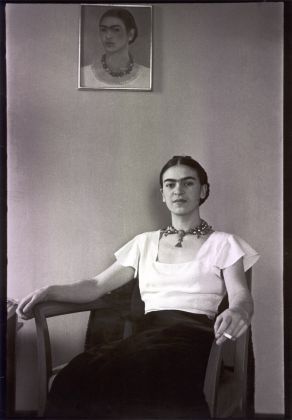 Frida at the Barbizon Plaza Hotel. Photo ©Lucienne Bloch