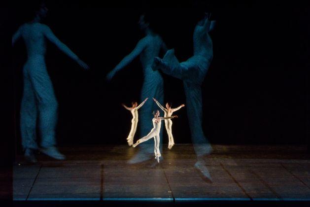 Lucinda Childs, Dance, Biennale Danza 2017, Teatro alle Tese dell'Arsenale, Venezia, photo Andrea Avezzù