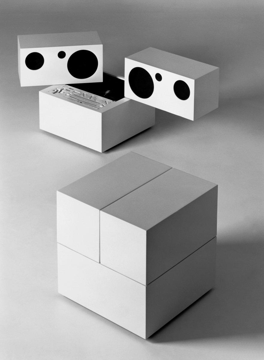 Mario Bellini, Totem RR 130, 1972, Brionvega, photo credit Aldo Ballo