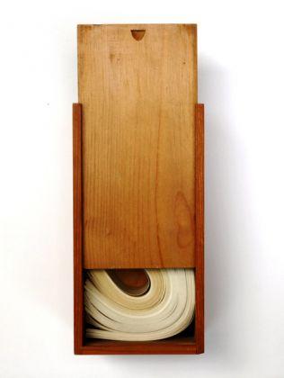 Mario Ceroli, A Paolo Uccello, 1979, legno e carta, 29x10 cm, Collezione privata