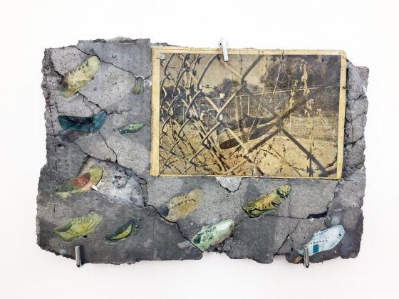 Matheus Rocha Pitta, Laje #24 (Thru), 2012, paper and cement, 35x21x2 cm