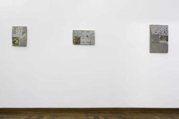 Rocha Pitta, Take Care Esercizi di attenzione intorno a sei lajes e una stele, exhibition view at Galleria Alberto Peola, Torino 2017