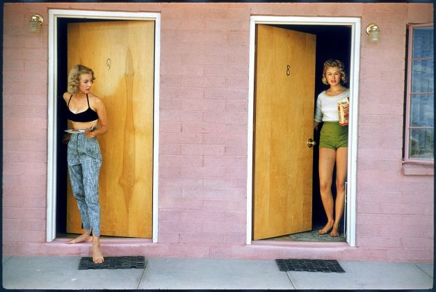 USA. Las Vegas, Nevada. 1957. Showgirls. © Elliott Erwitt MAGNUM PHOTOS