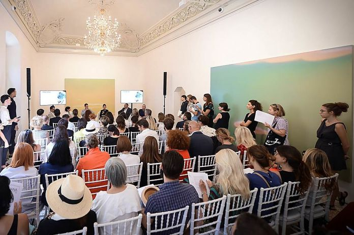 Un momento della conferenza stampa alla Galleria Massimo De Carlo