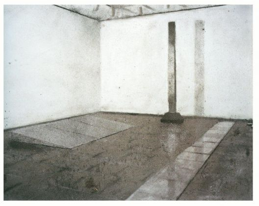 Vik Muniz, Picture of Dust, 2000, stampa al bagno di sbianca, 112 x 263 cm, Collezione privata, Roma. photo Studio Boys, Roma