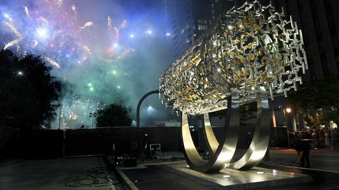 Cecil Balmond Freedom sculpture