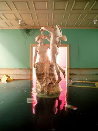 David LaChapelle, Statue, 2008. Copyright David LaChapelle