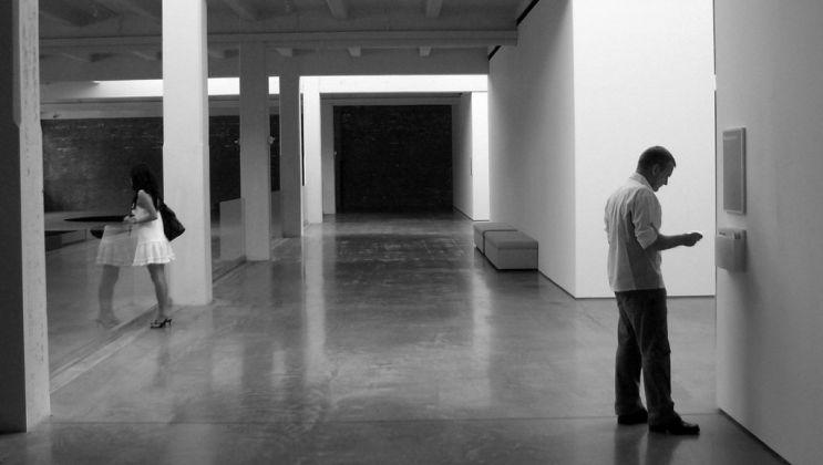 George Drivas, Closed Circuit, 2005. Still da video