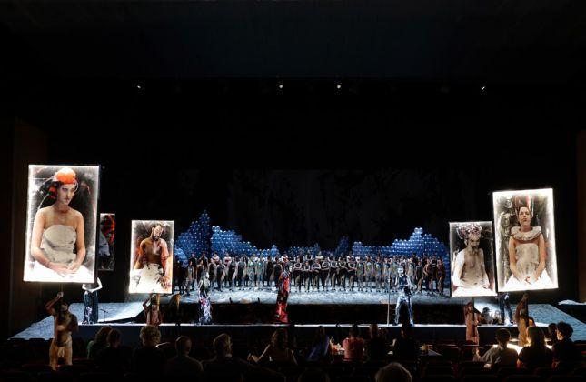 Gioacchino Rossini, Le siège de Cornithe. Regia Carlus Padrissa. Rossini Opera Festival, Pesaro 2017. Photo credit Studio Amati Bacciardi
