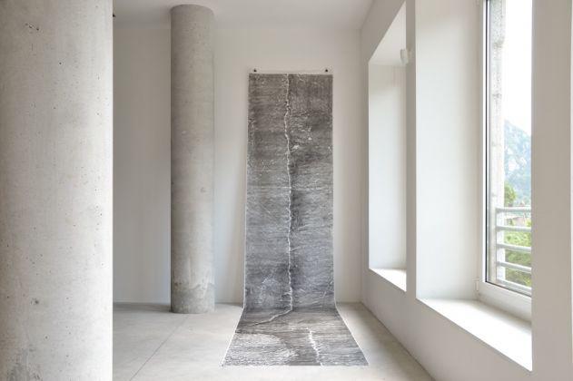 La lama di Procopio. Maria Laet, Serie Leitos Graficos, 2014. Photo Nicola Noro