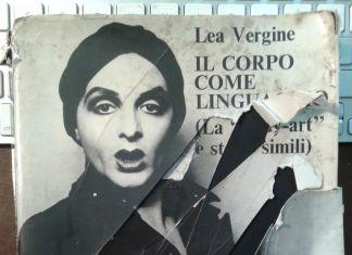 """Lea Vergine, Il corpo come linguaggio (La """"Body art"""" e storie simili) (Giampaolo Prearo, 1974)"""