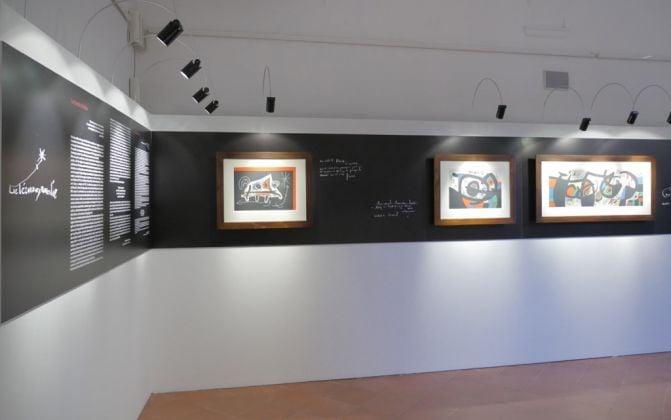 Mirò. Le lézard aux plumes d'or. Exhibition view at Villa Colloredo Meis, Recanati 2017
