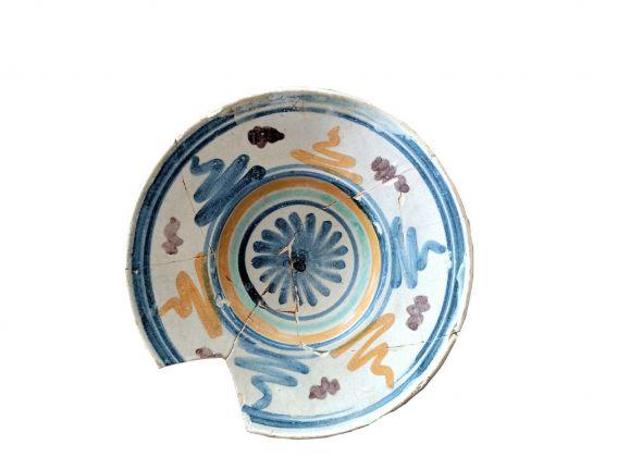 Piatto in maiolica rinascimentale, XVI sec.