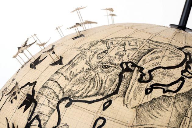Pietro Ruffo, Migration Globe (dettaglio), 2017. Courtesy l'artista. Photo Giorgio Benni