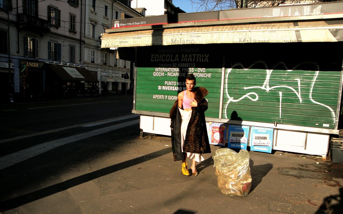 Rudi Salpietra, Quo Vadis, Baby? Just Passing, performance, Milano 2016. Courtesy l'artista