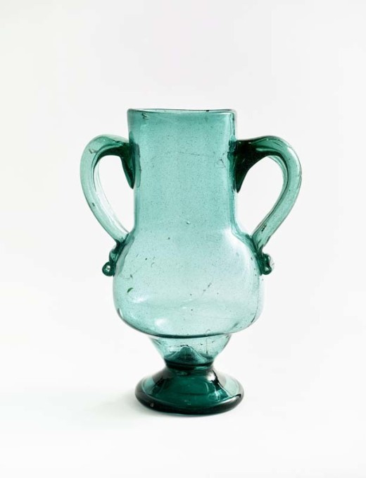 Vase, Andalusia, Spain, Early 20th century. Blown glass, Musée Matisse, Nice. Former collection of Henri Matisse. Bequest of Madame Henri Matisse, 1960, 63.2.195. Photo © François Fernadez, Nice.