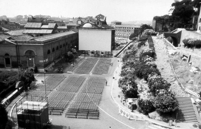 Vista di una delle sale cinematografiche realizzate per Massenzio 80. Archivio Giuseppe De Boni e Ugo Colombari