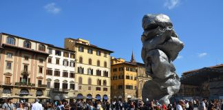 Urs Fischer Firenze Piazza Signoria Biaf Biennale Antiquariato, foto Valentina Silvestrini