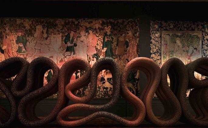 Transmission, installazione di Ross Lovegrove al Victoria & Albert Museum