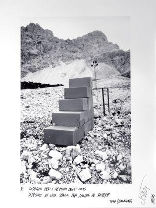 Ettore Sottsass, Disegni per i destini dell'uomo. Disegno di una scale per salire al potere, 1974