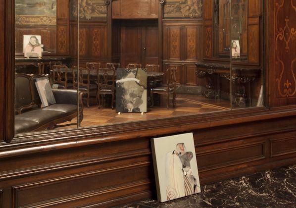 Guglielmo Castelli, Asomatognosia, 2017, Installation view, Sala Reale, Torino Porta Nuova, courtesy dell'artista, Treti Galaxie e Francesca Antonini Arte Contemporanea. Foto Sebastiano Pellion Di Persano