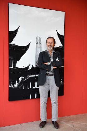Giovanni Gastel alla mostra Shanghai, in the Mood for Fashion. Fabbrica del Vapore, Milano 2017