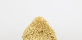 Haegue Yang The Intermediate – Asymmetric Quadrupedal Bushy-head 2016 Artificial straw, steel stand, powder coating, casters. Courtesy of the artist and Greene Naftali, New York