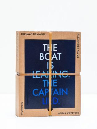 Il cofanetto della mostra The boat is leaking. The captain lied alla Fondazione Prada di Venezia, 2017