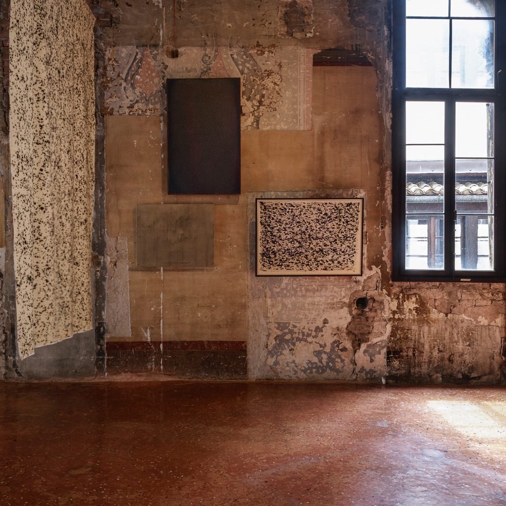 Intuition. Exhibition view at Palazzo Fortuny, Venezia 2017. Automatic writing. Photo © Jean Pierre Gabriel