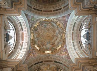 Luca Giordano e aiuti, Sant'Andrea Corsini accolto nella gloria celeste e quattro Figure allegoriche, 1682, Firenze, affreschi della cappella Corsini