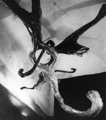 Lucio Fontana, Ambiente spaziale a luce nera, 1948-49. © Fondazione Lucio Fontana, Milano