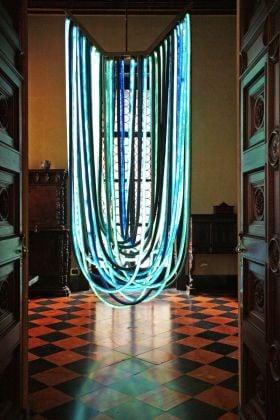 Nacho Carbonell, Blue chandelier, (c) Tatiana Uzlova