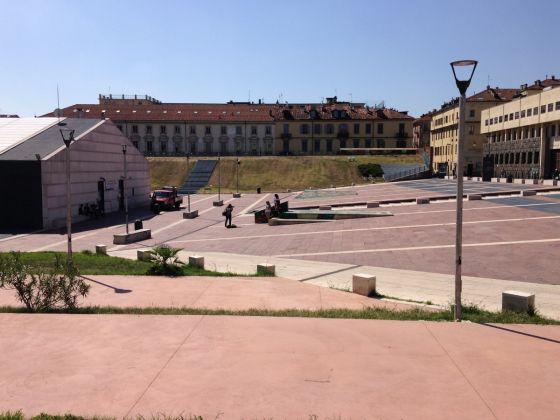 Piazzale Valdo Fusi, Torino, una delle sedi di Maze Festival insieme all'ex Borsa Valori, photo by Claudia Giraud