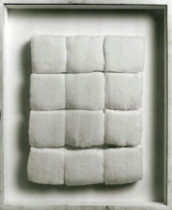 Piero Manzoni, Achrome, cotone, 40 x 30 cm (1961)