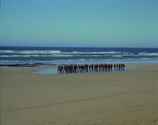 Shirin Neshat, Passage, 2001