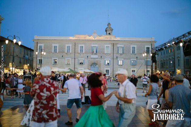 Summer Jamboree 2017. Balli in piazza Garibaldi, photo Guido Calamosca