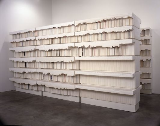 Rachel Whiteread, Untitled (Book Corridors) 1997-8 Plaster and steel 2220 x 4270 x 5230 mm Kunstsammlung Nordrhein-Westfalen, Düsseldorf, Photograph courtesy of the artist © Rachel Whiteread