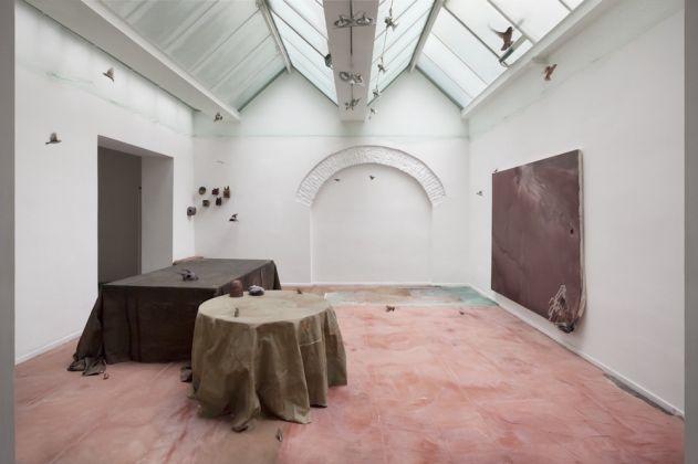 Valerio Nicolai, Trasformazione permanente di un mago in formica, 2016, Installation view, courtesy dell'artista e Treti Galaxie. Foto Sebastiano Pellion Di Persano