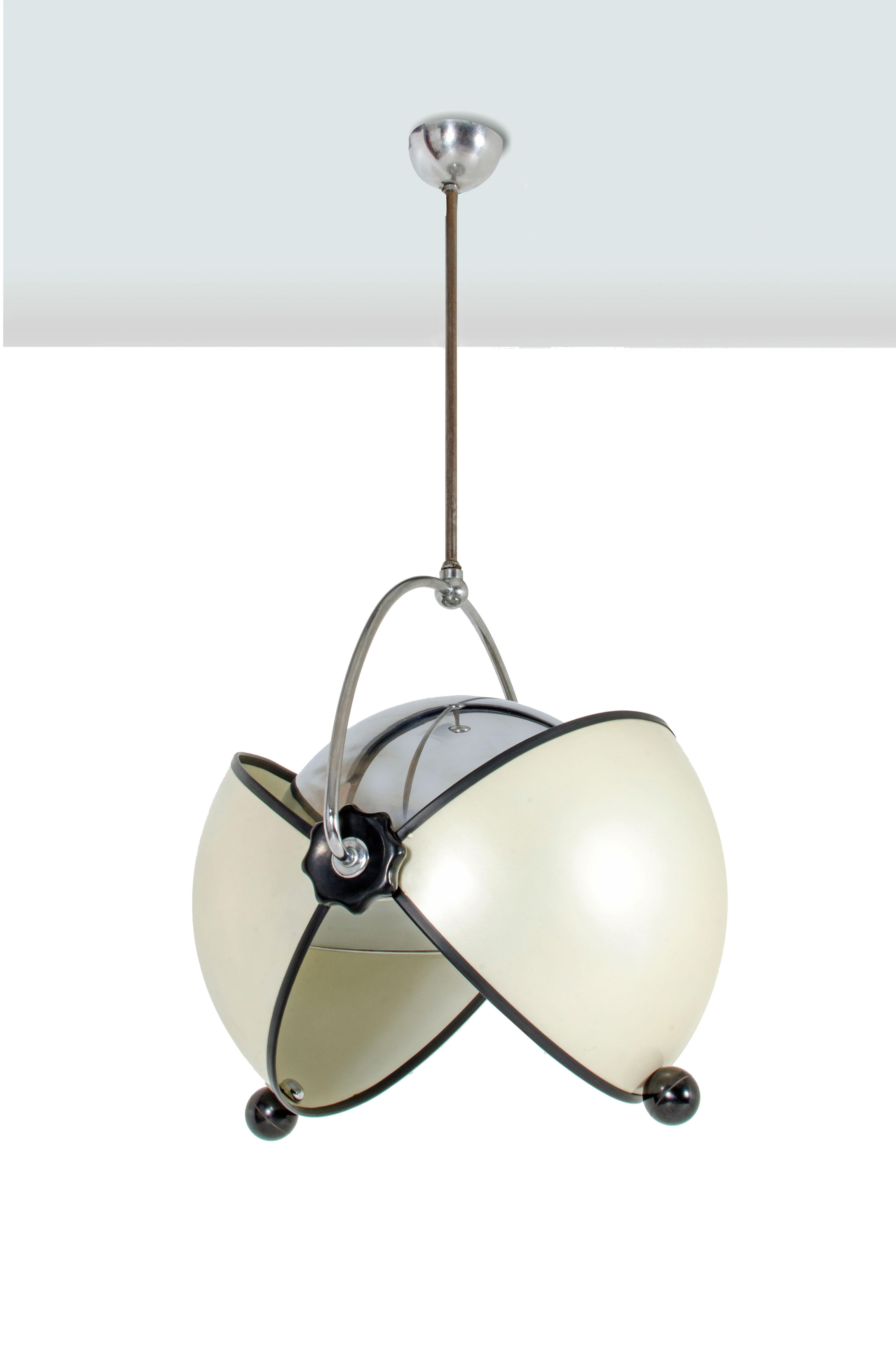 SUPERSTUDIO O-Look, Lampadario in alluminio verniciato e metallo cromato. Prod. Poltronova / Design Center anni '60 h cm 115 diam 60