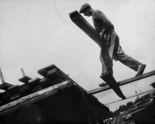 Alexandre Rodchenko, Fabbrica di legname Vakhtan, regione del Ninjy Novgorod, 1930 © Alexandre Rodchenko. Multimedia Art Museum, Mosca