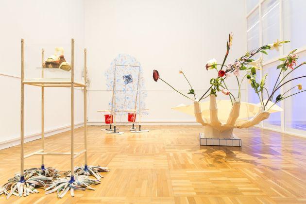 Aurora Sander, Biennale di Mosca 2017, photo Natasha Polskaуa