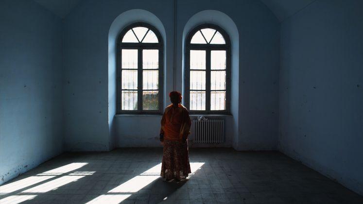 Gianluca e Massimiliano De Serio, Stanze, 2010, still da video, Courtesy gli artisti