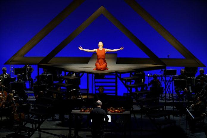 Festival Internazionale di Musica Contemporanea, Venezia 2017. Un momento dell'esecuzione di Inori di Stockhausen. Photo © Andrea Avezzù