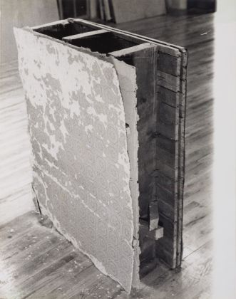 Gordon Matta-Clark, Untitled (Bronx Floors 3), 1972. Harold Berg Collection, Barcellona, & the Gordon Matta-Clark Estate. © The Estate of Gordon Matta-Clark. Courtesy of The Estate of Gordon Matta-Clark and David Zwirner, New York-Londra